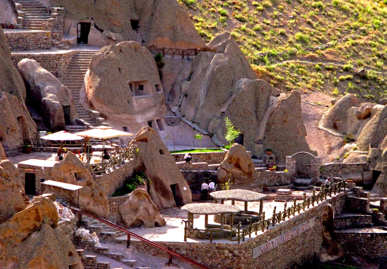 Laleh Kandovan Rocky Hotel